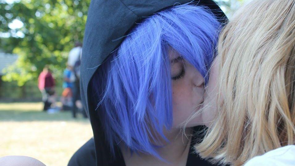 lesbian transgenders kissing