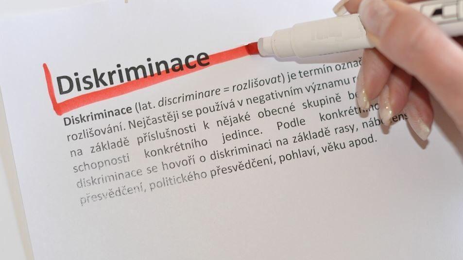 le mot discrimination