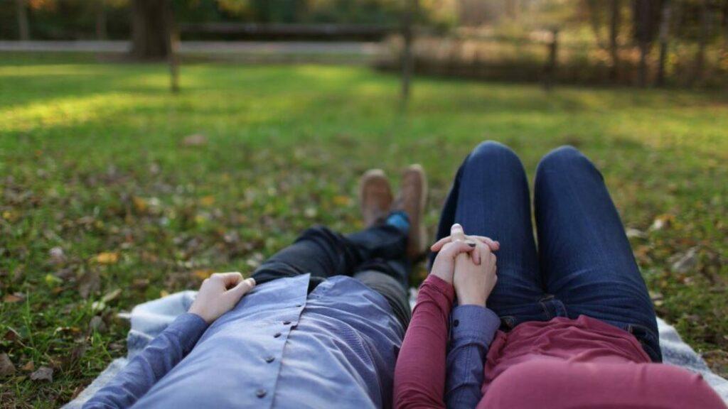 couple dans un park